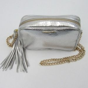 Victoria Secret Silver Metallic Crossbody *V23